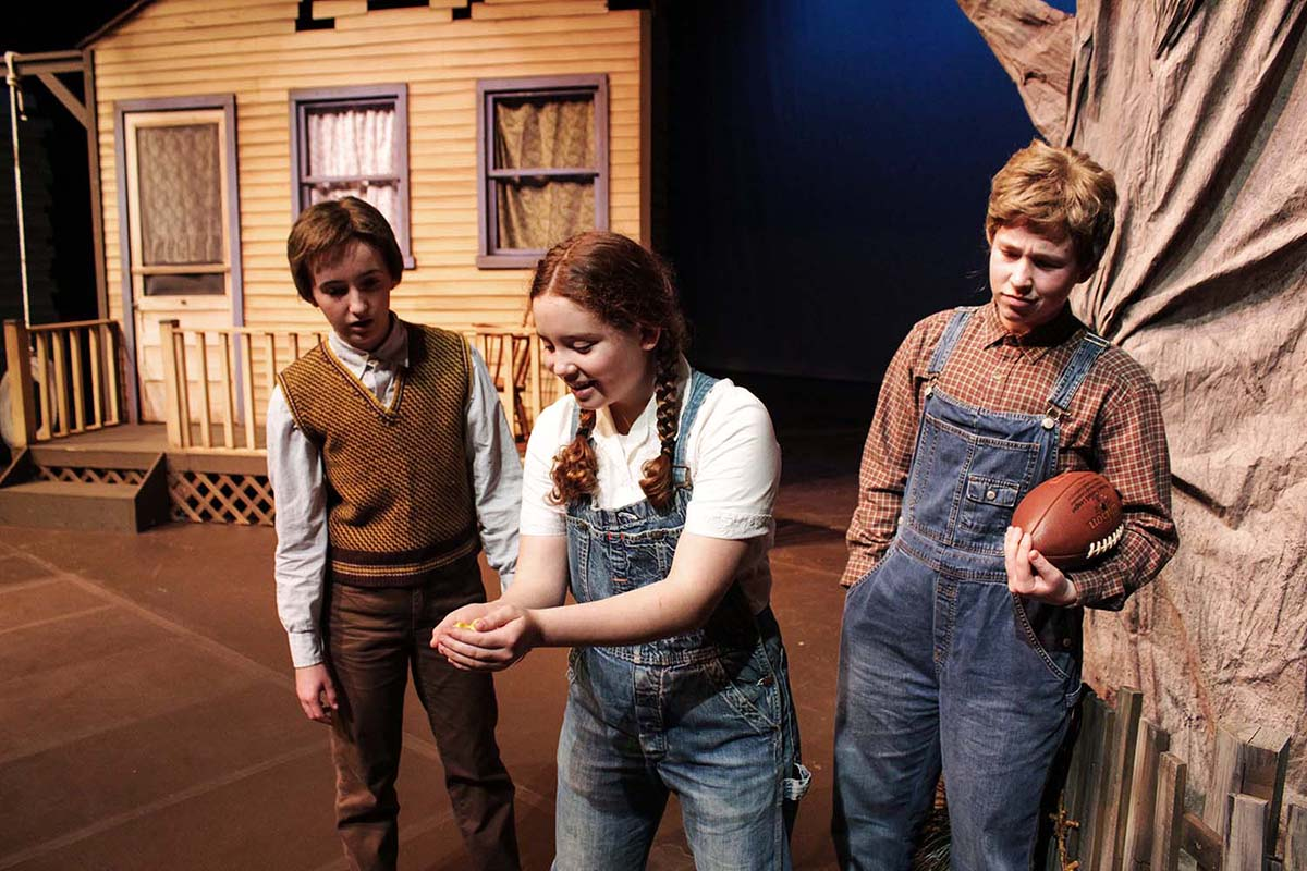 Scout, Dill, and Jem in 'To Kill a Mockingbird'